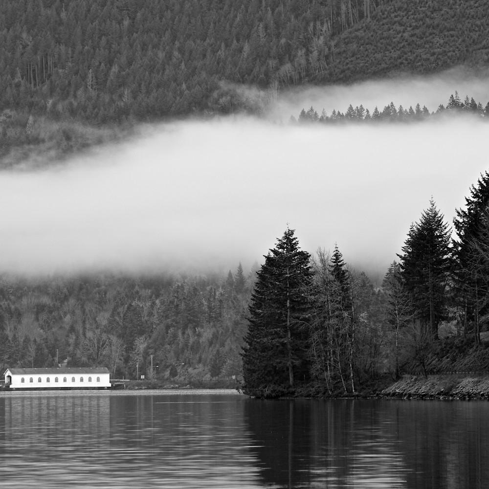 Dexter lake low clouds covered bridge oregon jih0v1