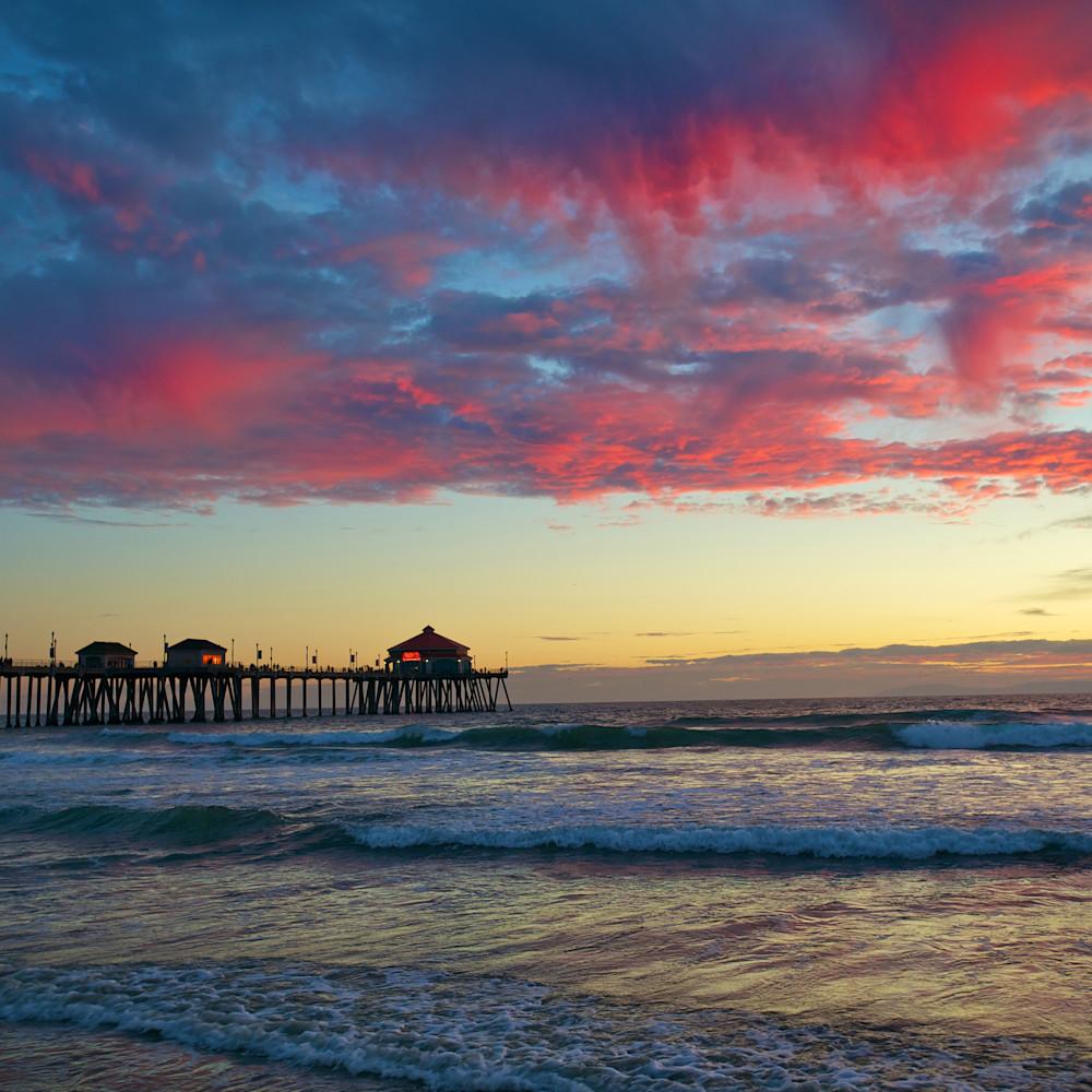 Huntington beach red clouds sunset california zvpu4m