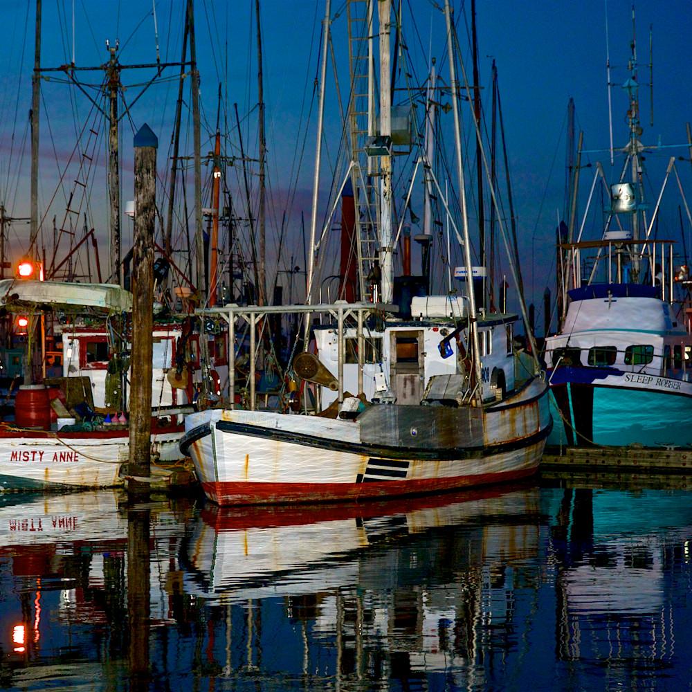 Fishing boats at dusk charleston oregon cwd4bg