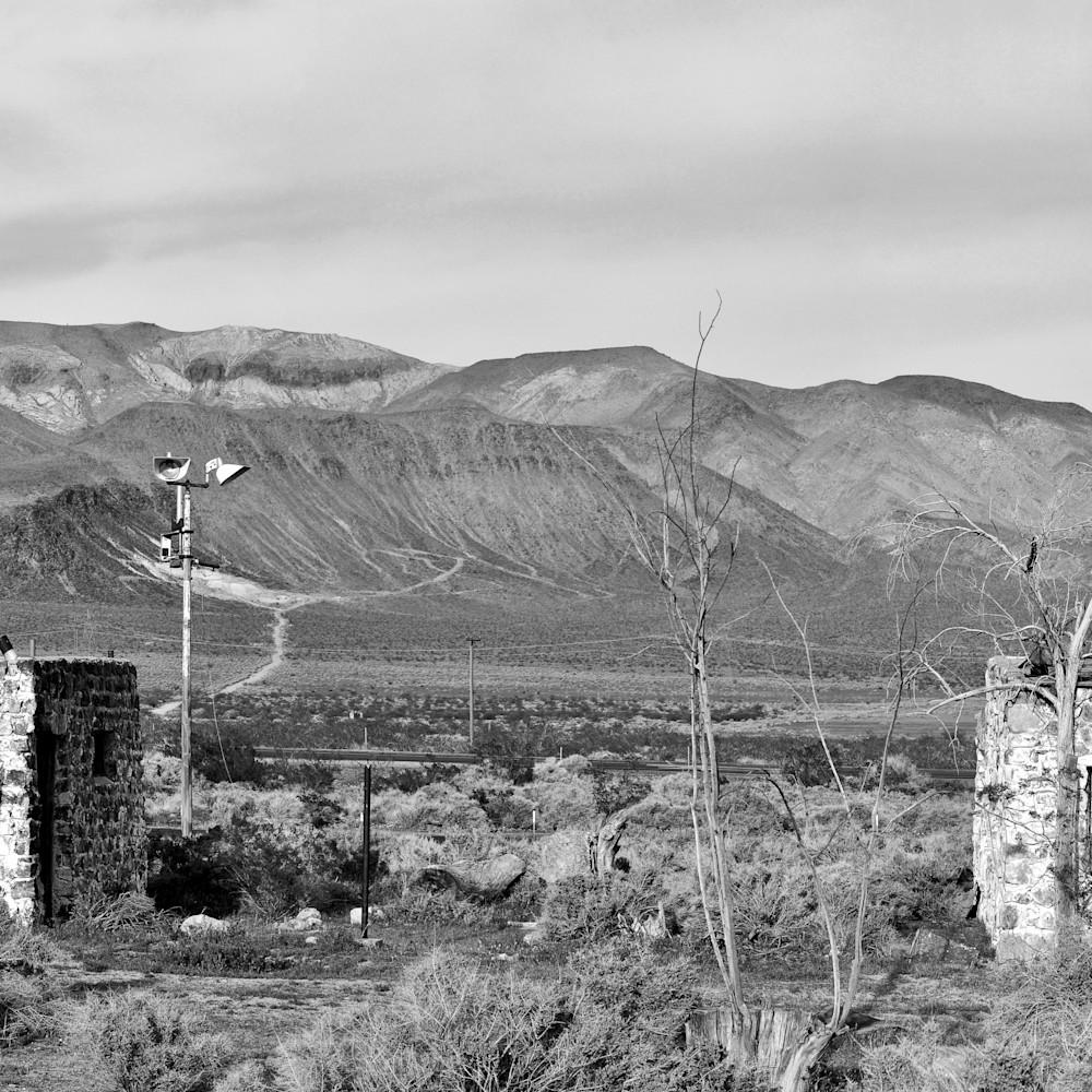 Desert panorama scene hwy 395 owens valley ca nwoc2x