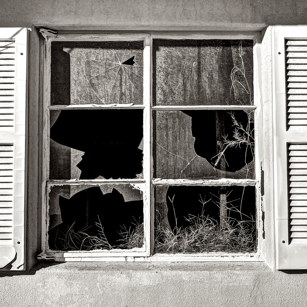 Broken windows trona california ky27uk