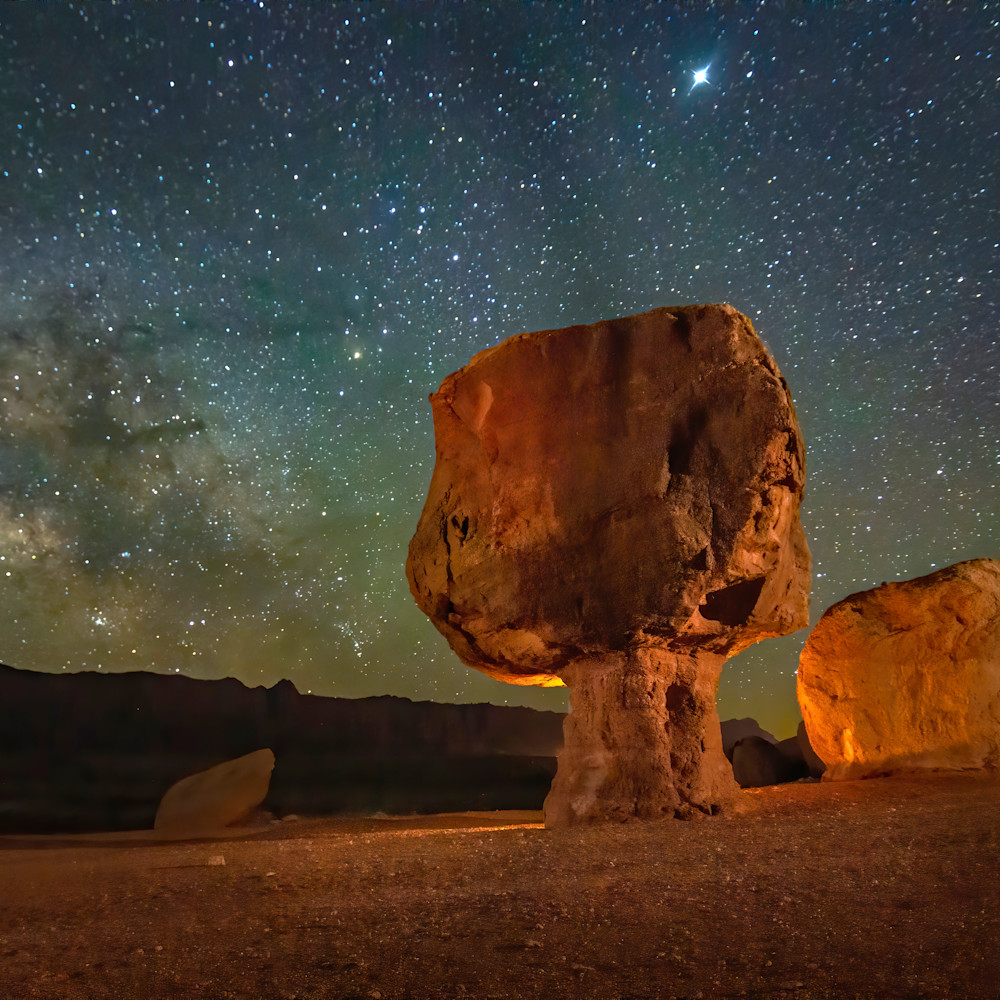 Balanced rock of marble canyon bcq0ad