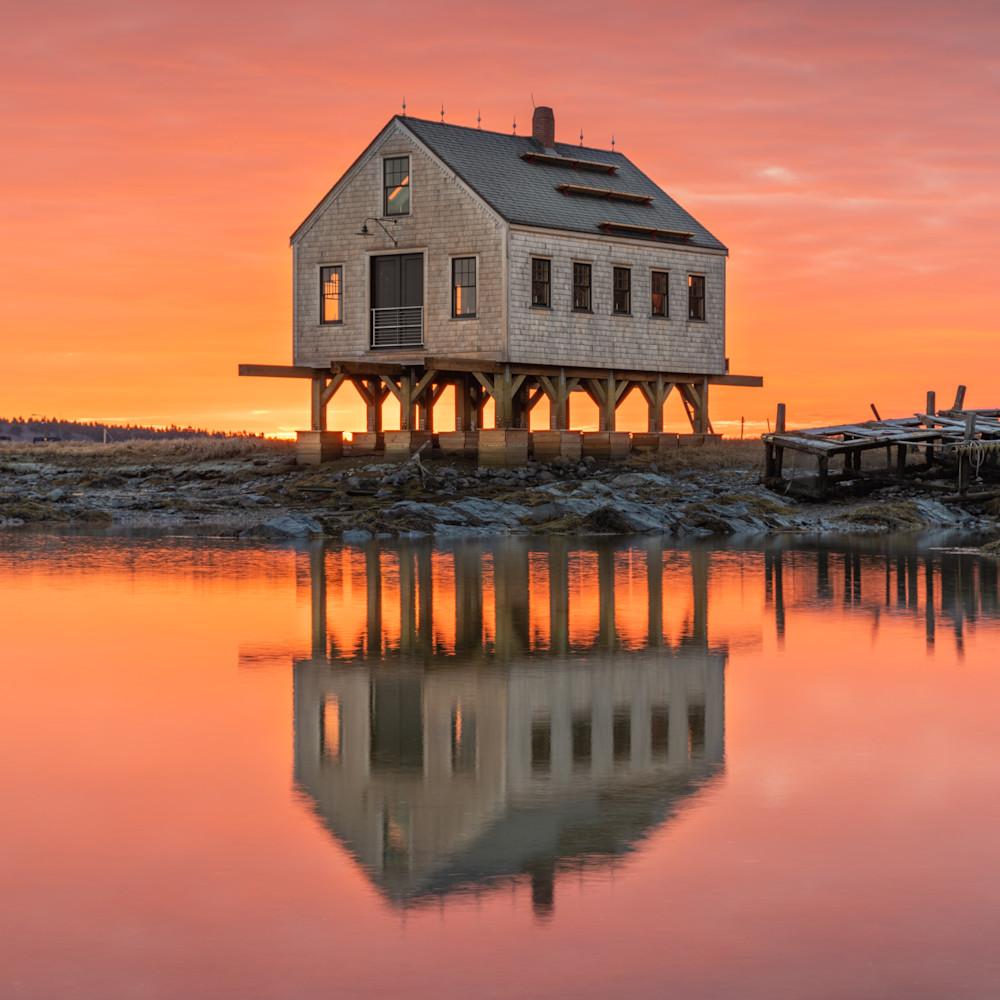 Symmetrical sunrise at cape porpoise qs6ufe