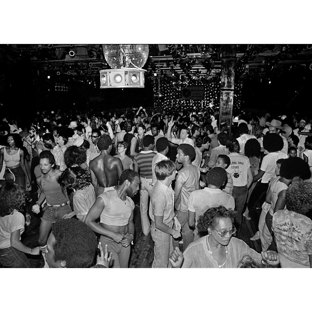 Paradisedancefloor1979whiteborder uvf1av