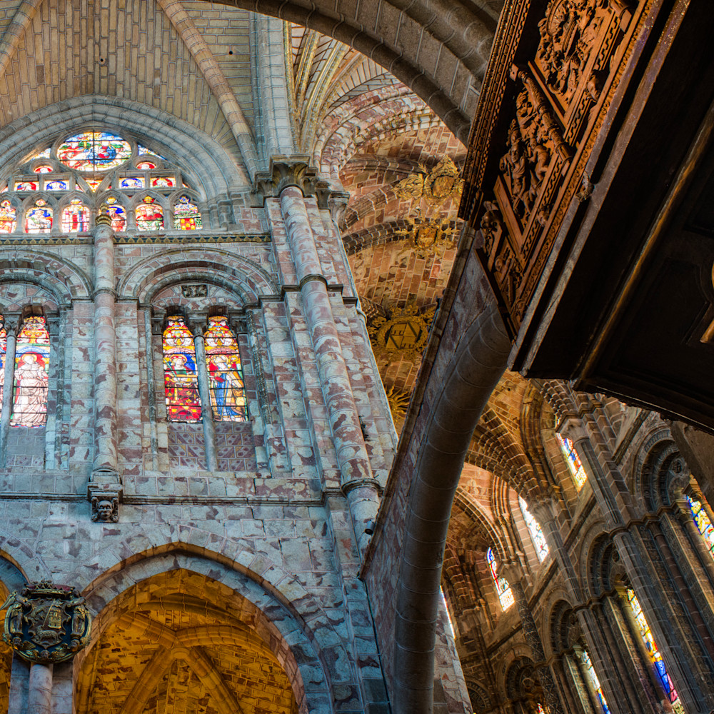 Intrnal flying buttress and apse avila spain cathedral rj8a8o