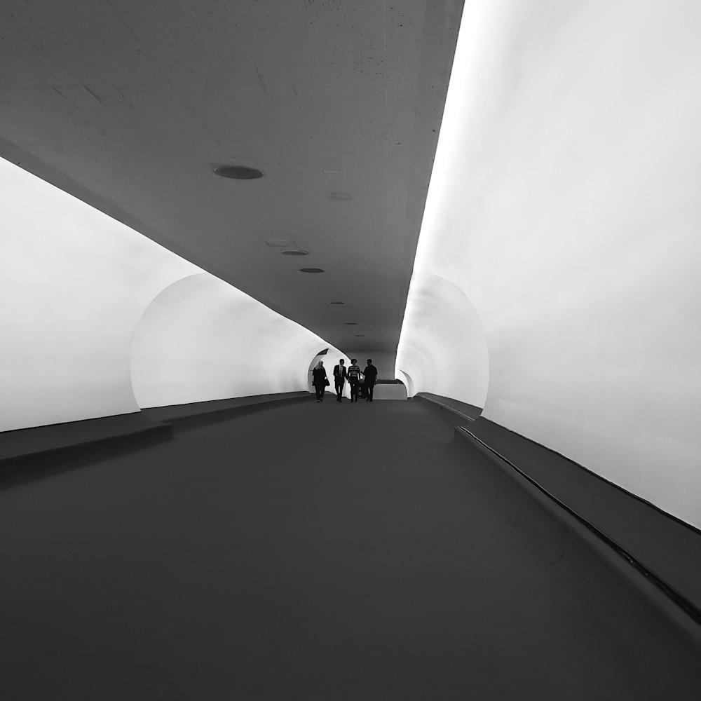 Twa hotel tunnel bw 20200917 072328 k26ybp