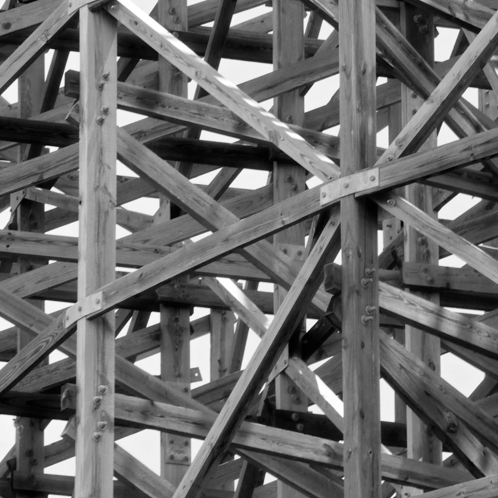 Wooden roller coaster dry7y1