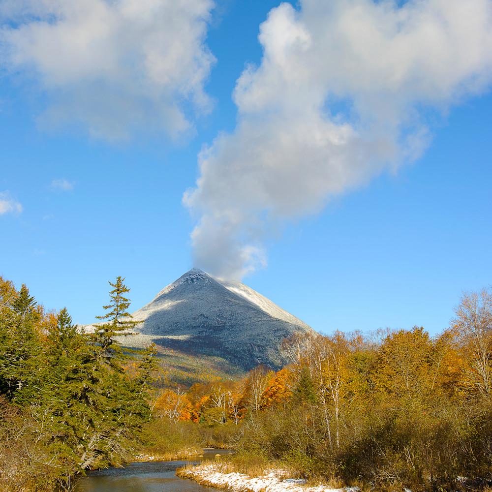 Double top mountain in autumn hvw6yz