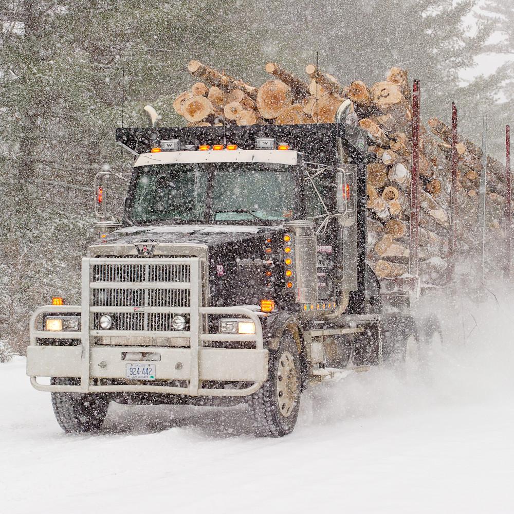 Haulin in the snow hooght