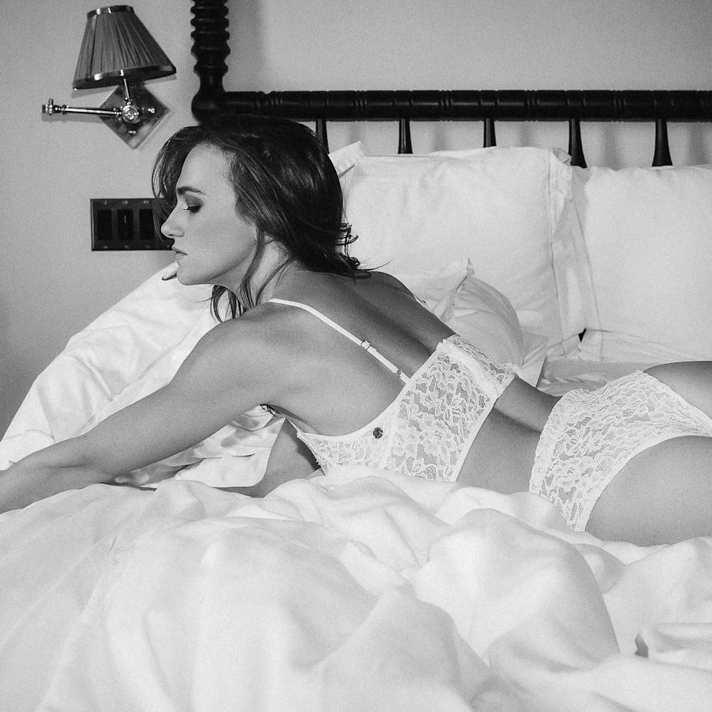 Bc5i5277 white lingerie anhen bw e4unqv