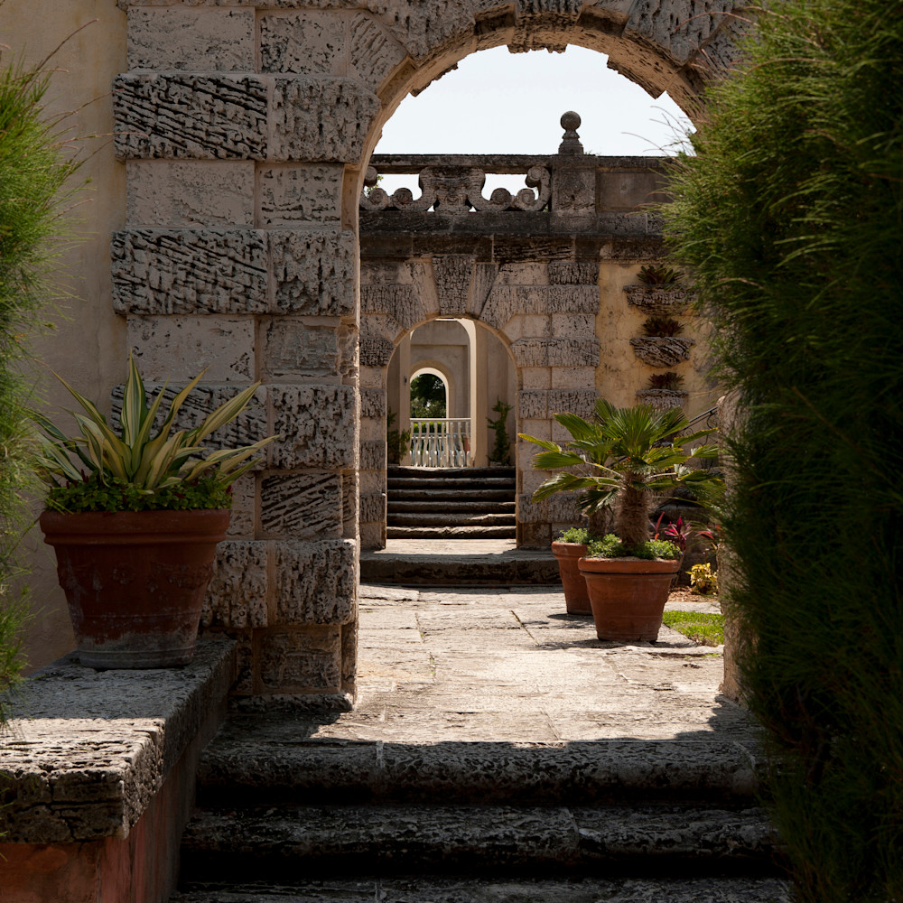 Archway at vizcaya garden xsa9xo