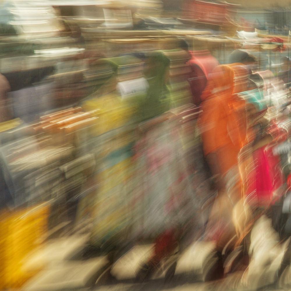 Women in the market gdu4s3