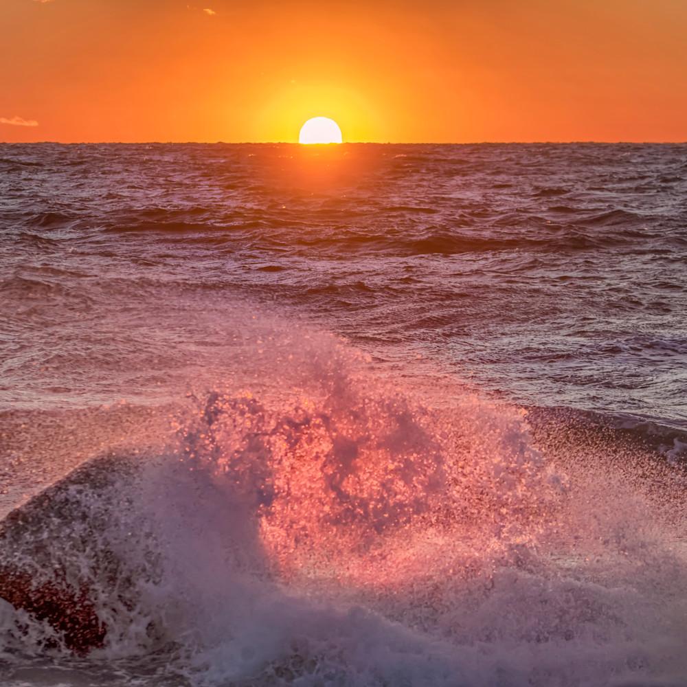 Moshup beach fiery splash qfdpxv