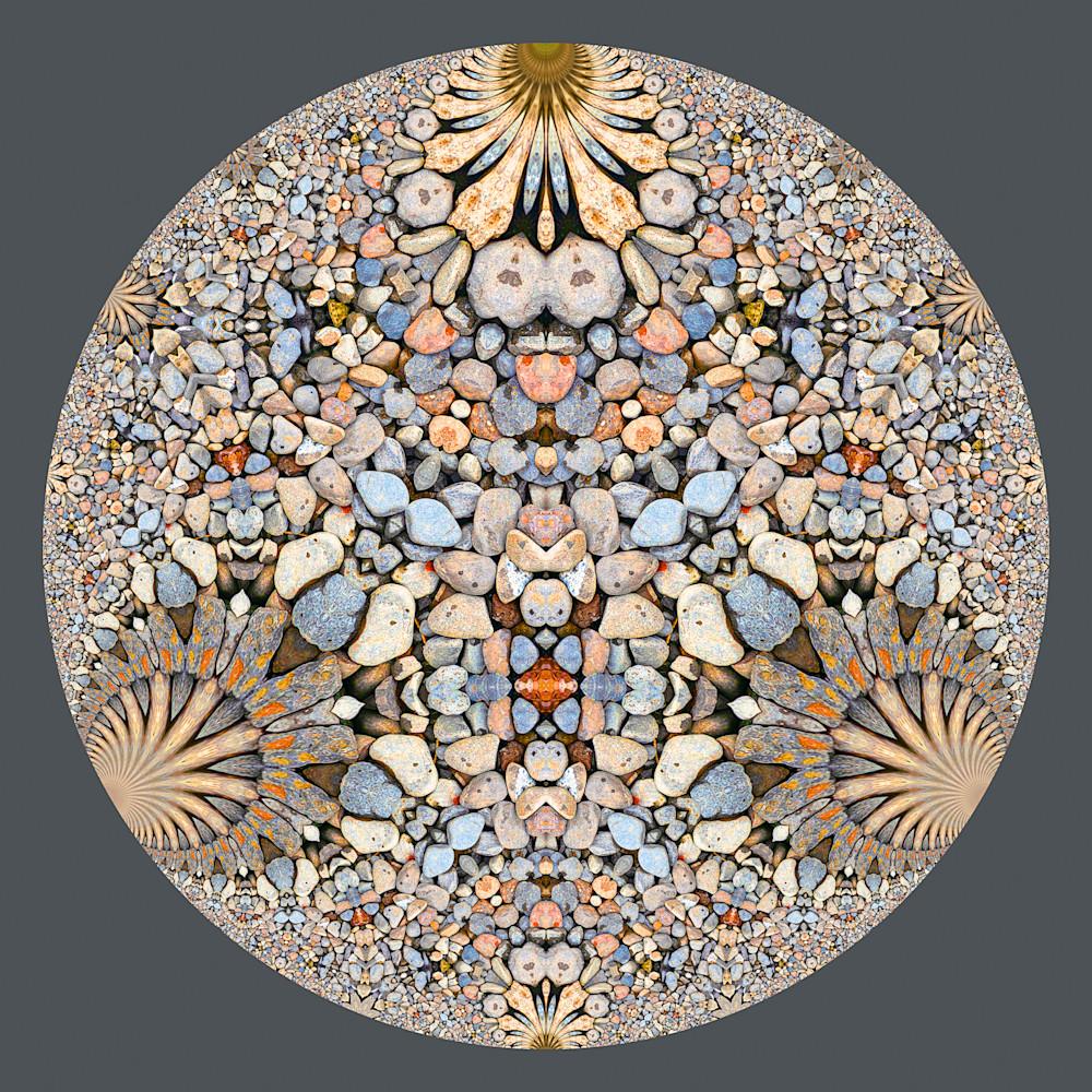 Hyperbolic pebbles b9c mzxsiv