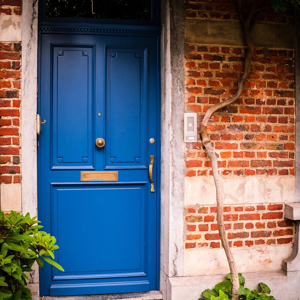 Doors of ixelles 6 brussels belgium 2018 kqpvtc