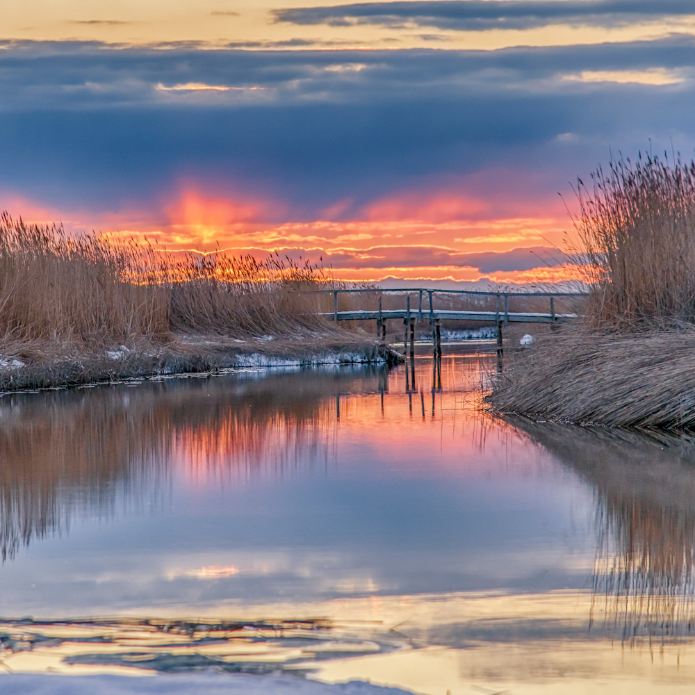 Qunasoo bridge winter red sky g6qukh