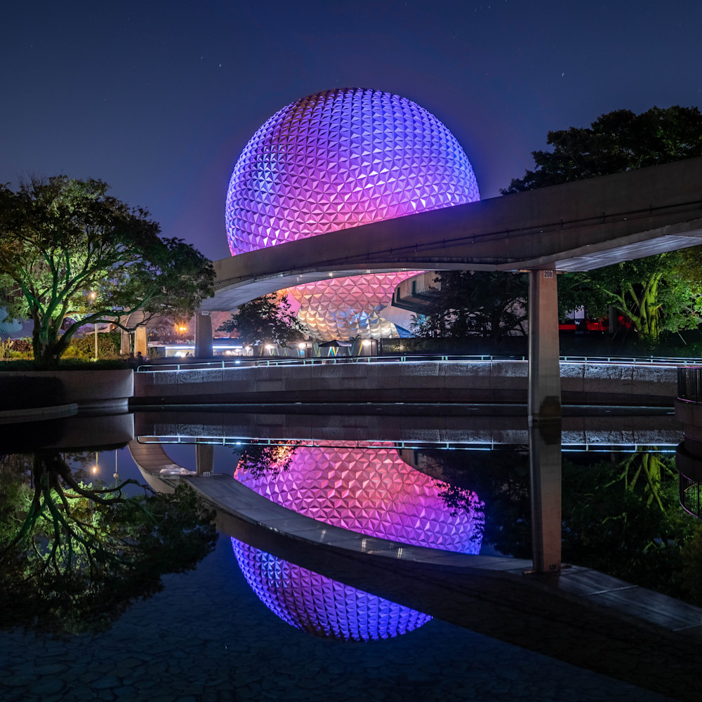 Reflections of spaceship earth elhzm8