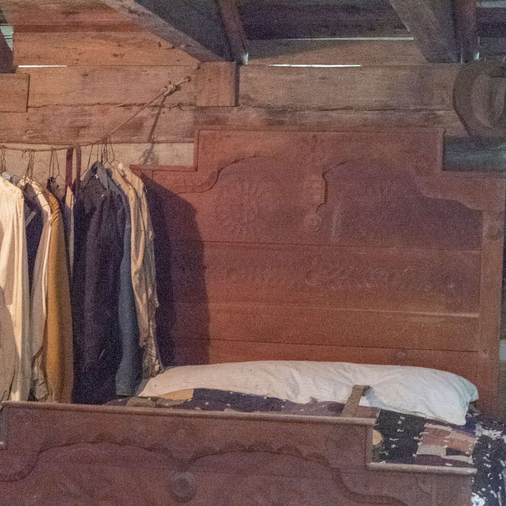 Bedroom with clothes lbs 2466 ykdrgp