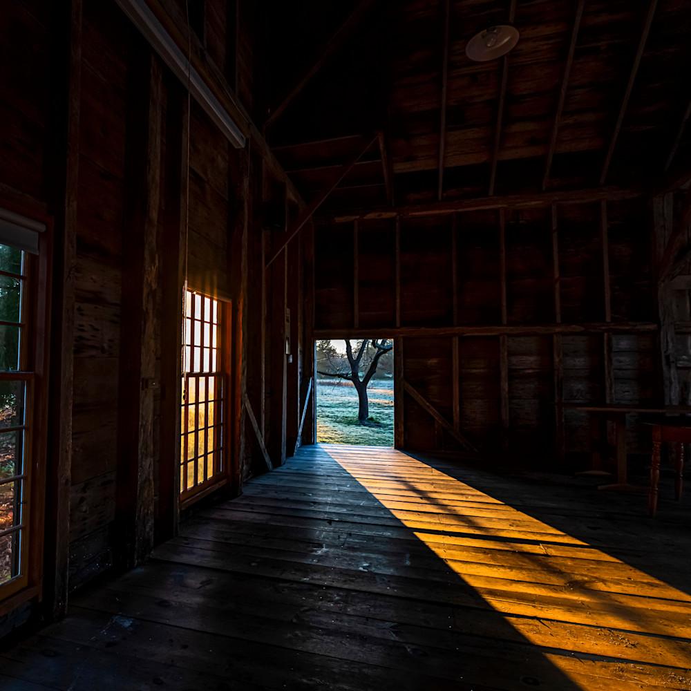 Far barn light path jpxuoz