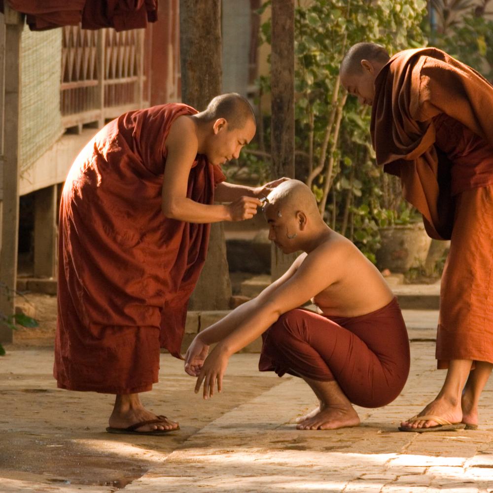 Shaving monk 2 bkhmss