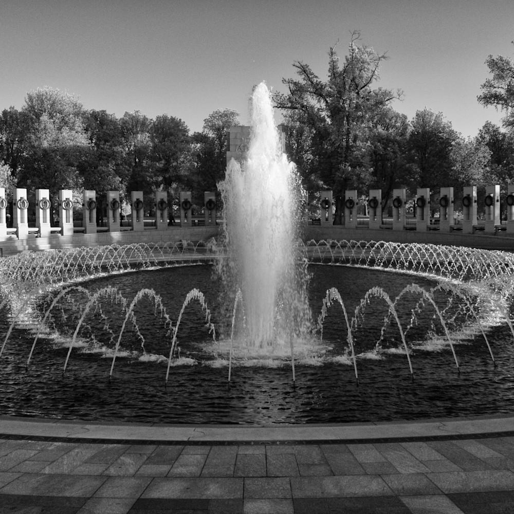 Wwii memorial infrared black and white khtogi