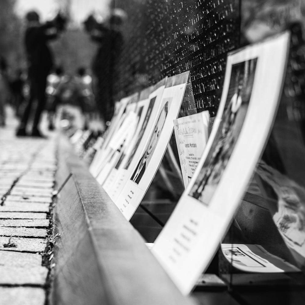 Remembering the fallen   vietnam memorial  yzrzg2