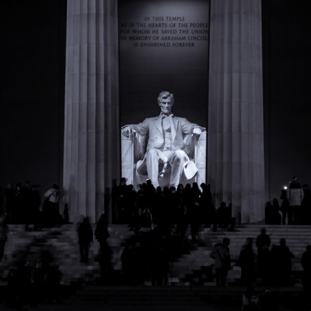 Lincoln memorial at night op6kg5