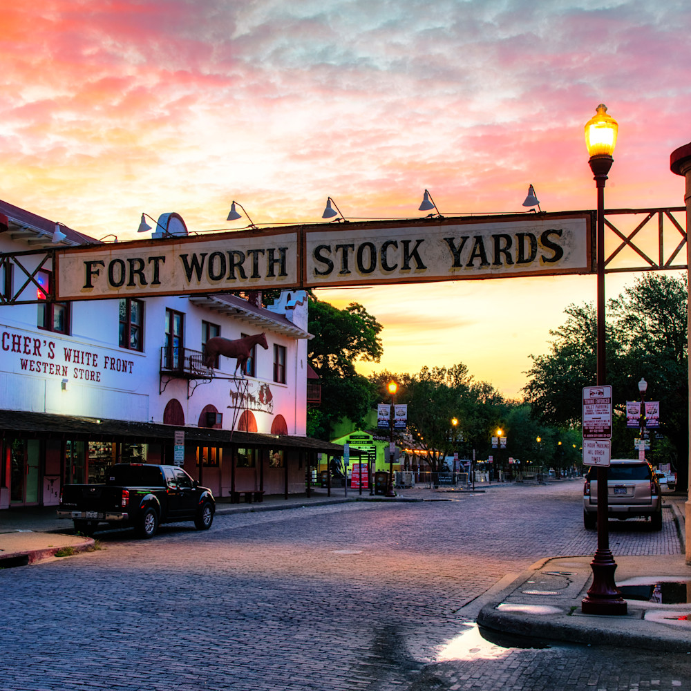 Andy crawford photography sunrise at the forth worth stock yards ef1voj
