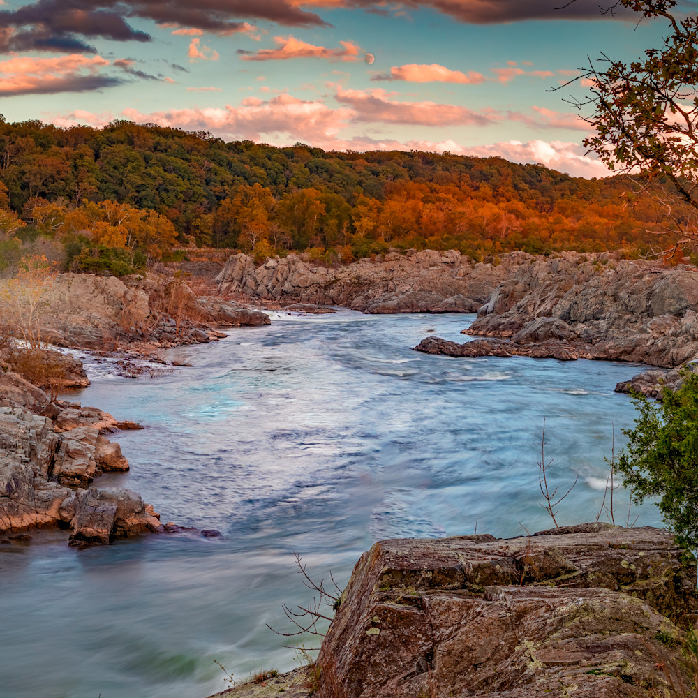 Sunset and moonrise at mather s gorge 1 dbpg8m