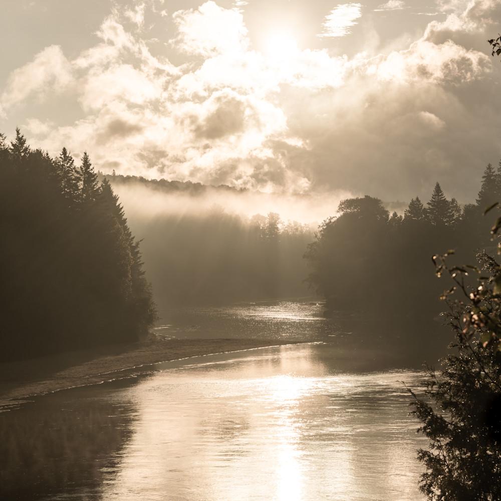 Misty river y4llnu