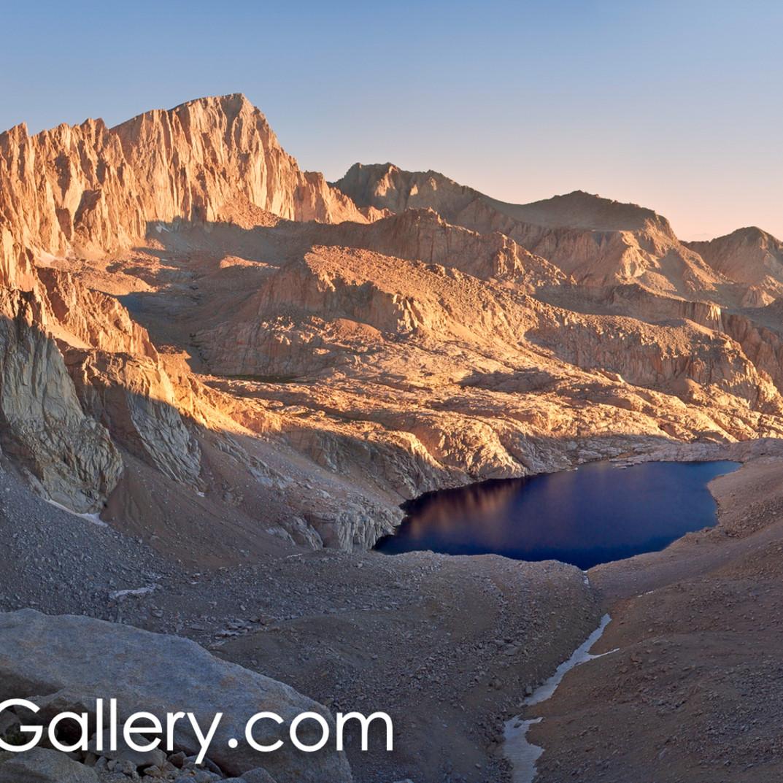 Sunrise on the whitney massif plq1kf