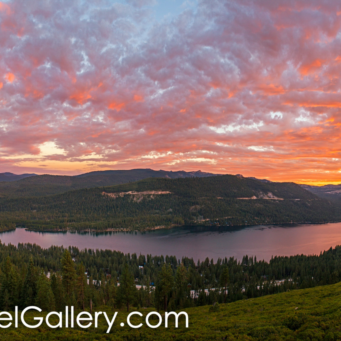 Sunset panorama donner lake inilqz