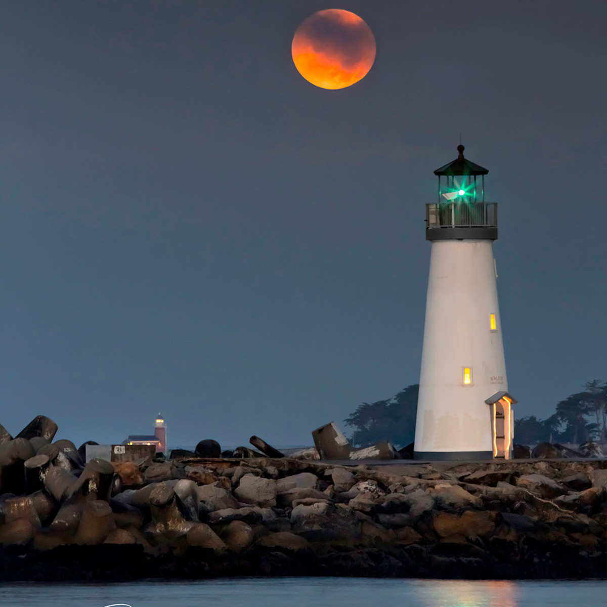 Moonset over lighthouses 2 1 vzct04
