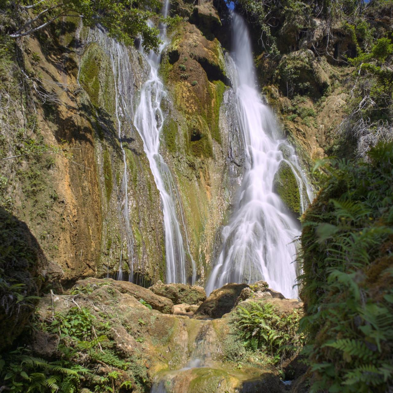 Evergreen cascades mele village port vila vanuatu waterfall nyemov
