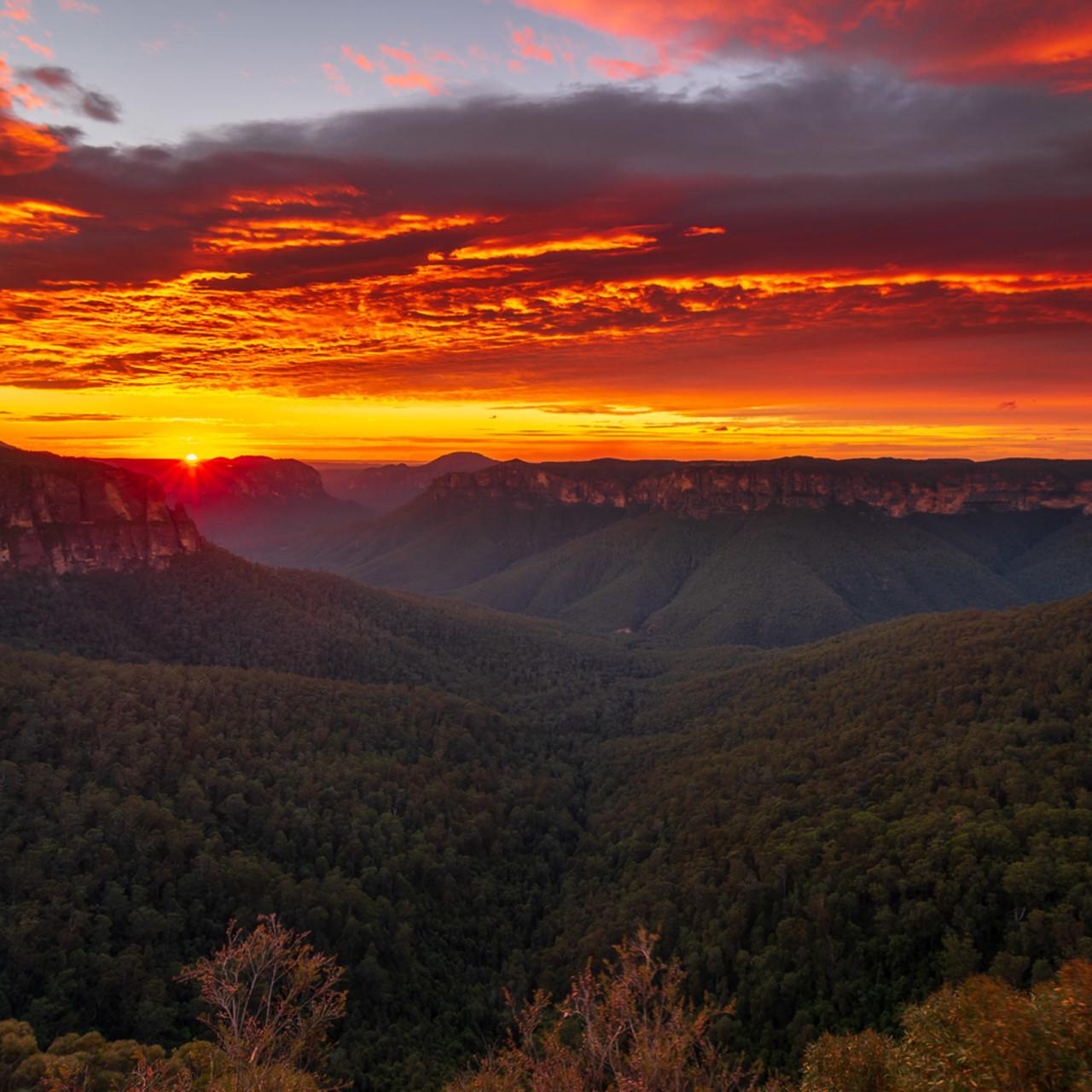 Leap of glory   grose valley govetts leap blackheath blue mountains national park nsw australia sunrise mu4tsm
