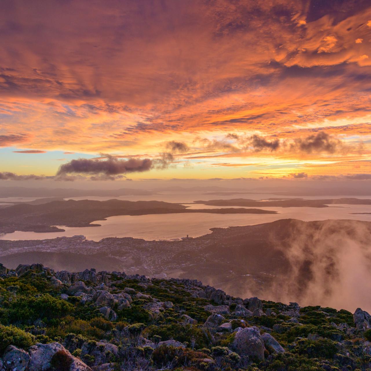 Sunrise mount wellington tasmania australia t0tkiu