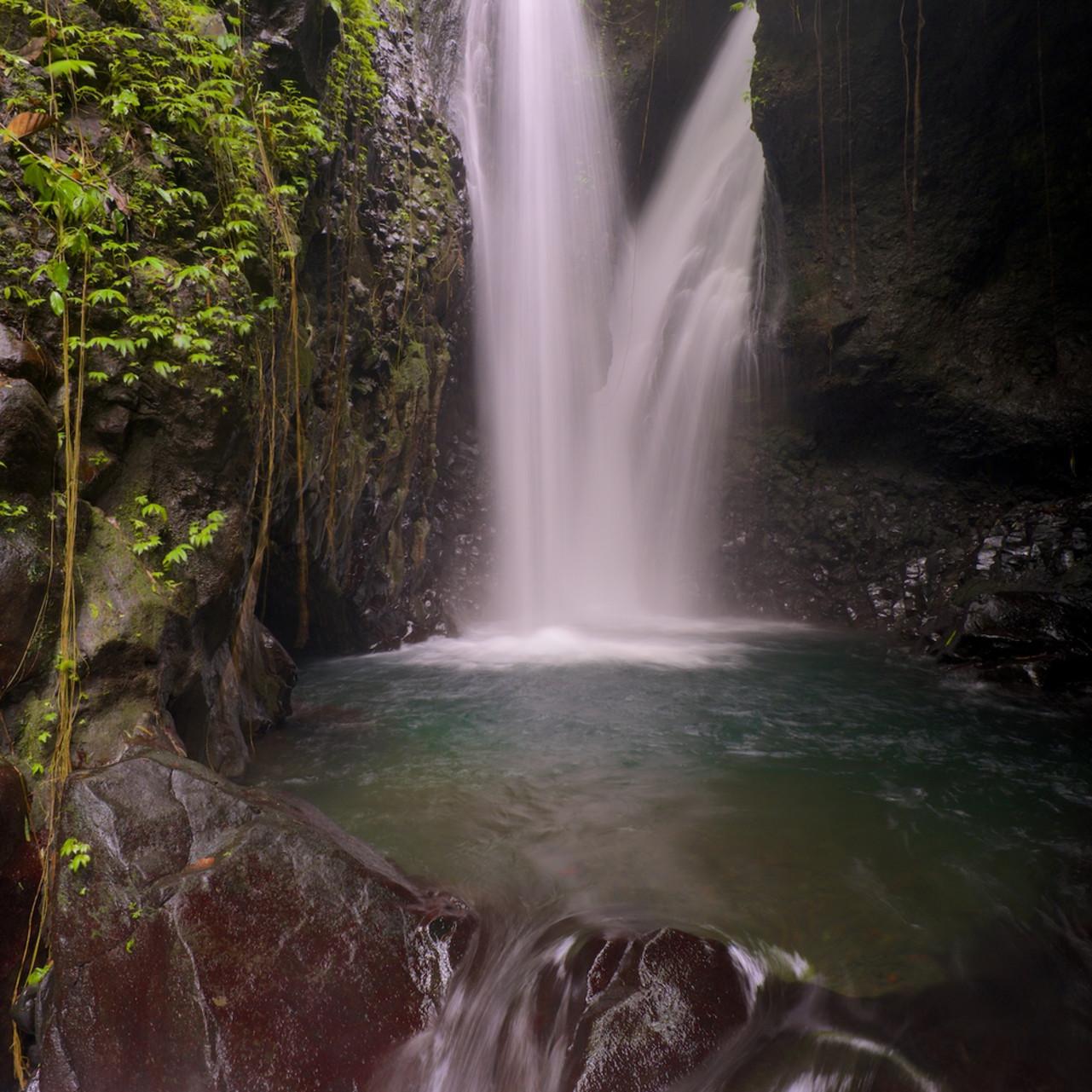 Git git twins singaraja bali indonesia waterfall gf1pvy