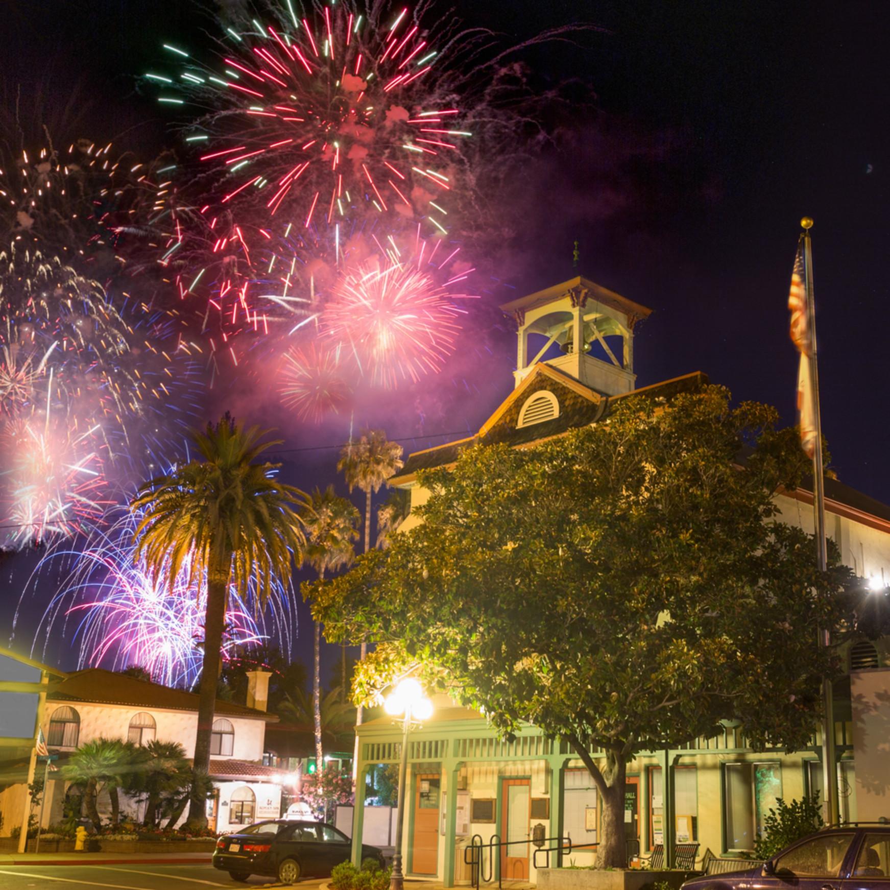 Fireworks at town hall calistoga p8oggp
