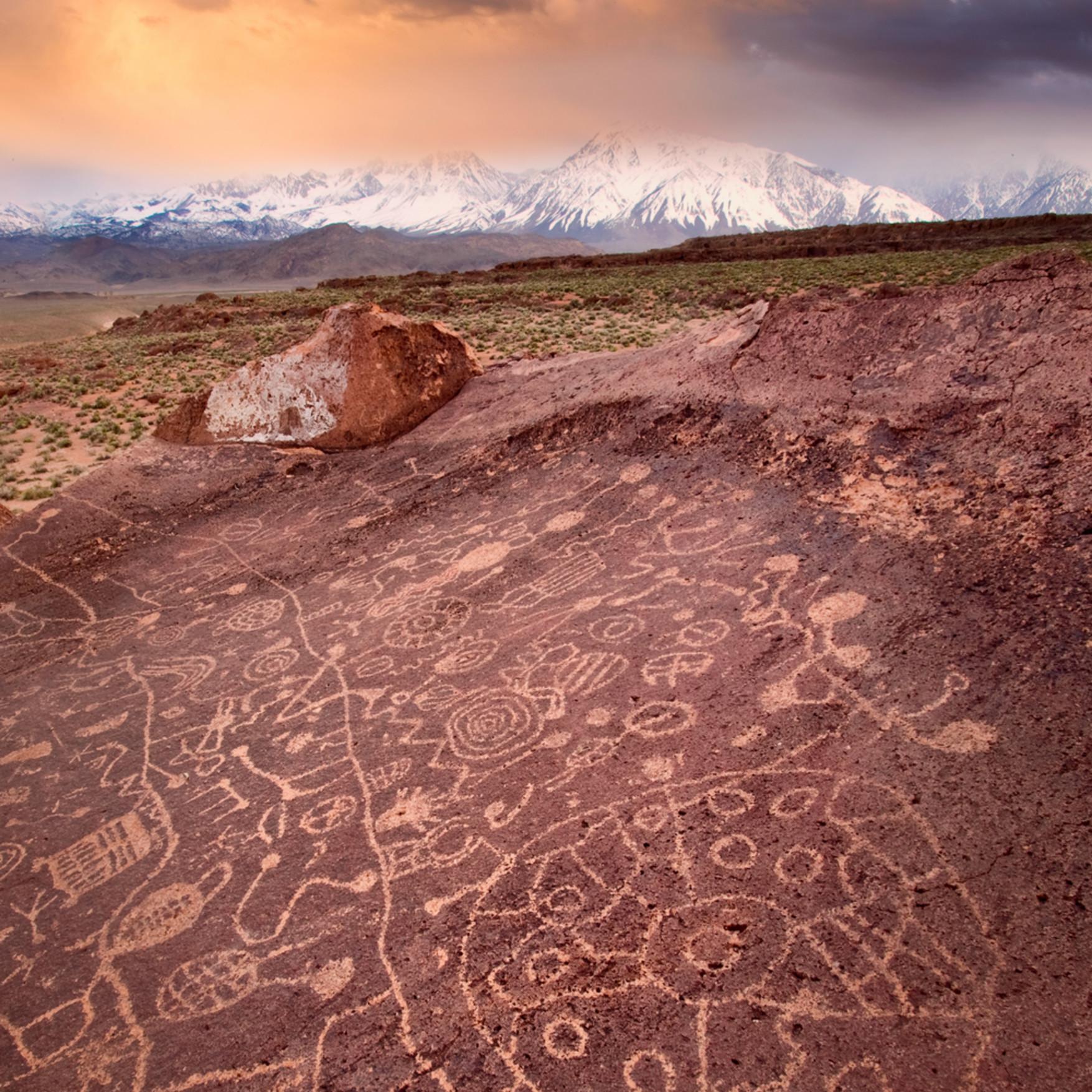 Sunset on petroglyphs v o8hkzl