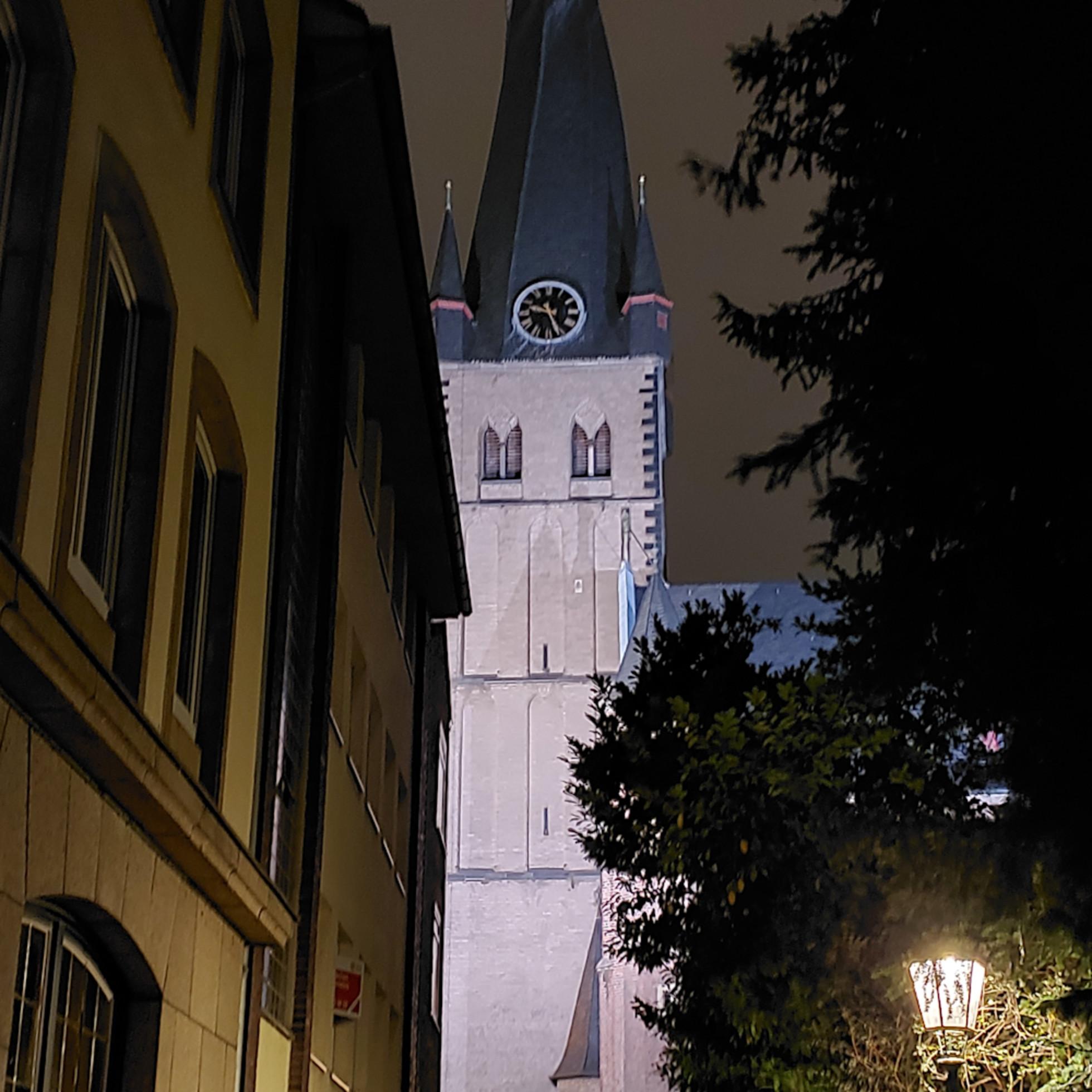 Approaching stiftsplatz duesseldorf 20191004 212641 sdgkv1