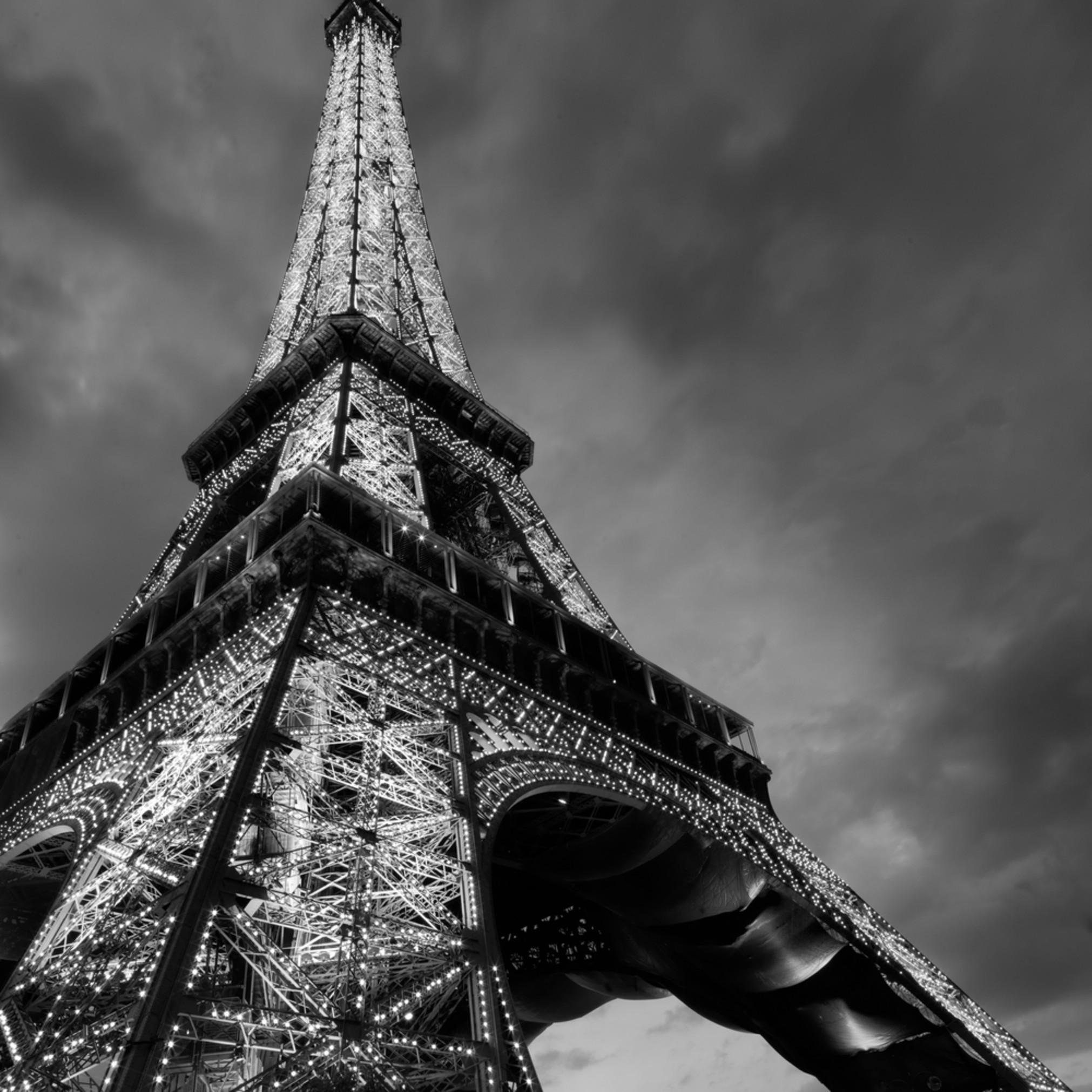 Eiffel 1 gncyiq