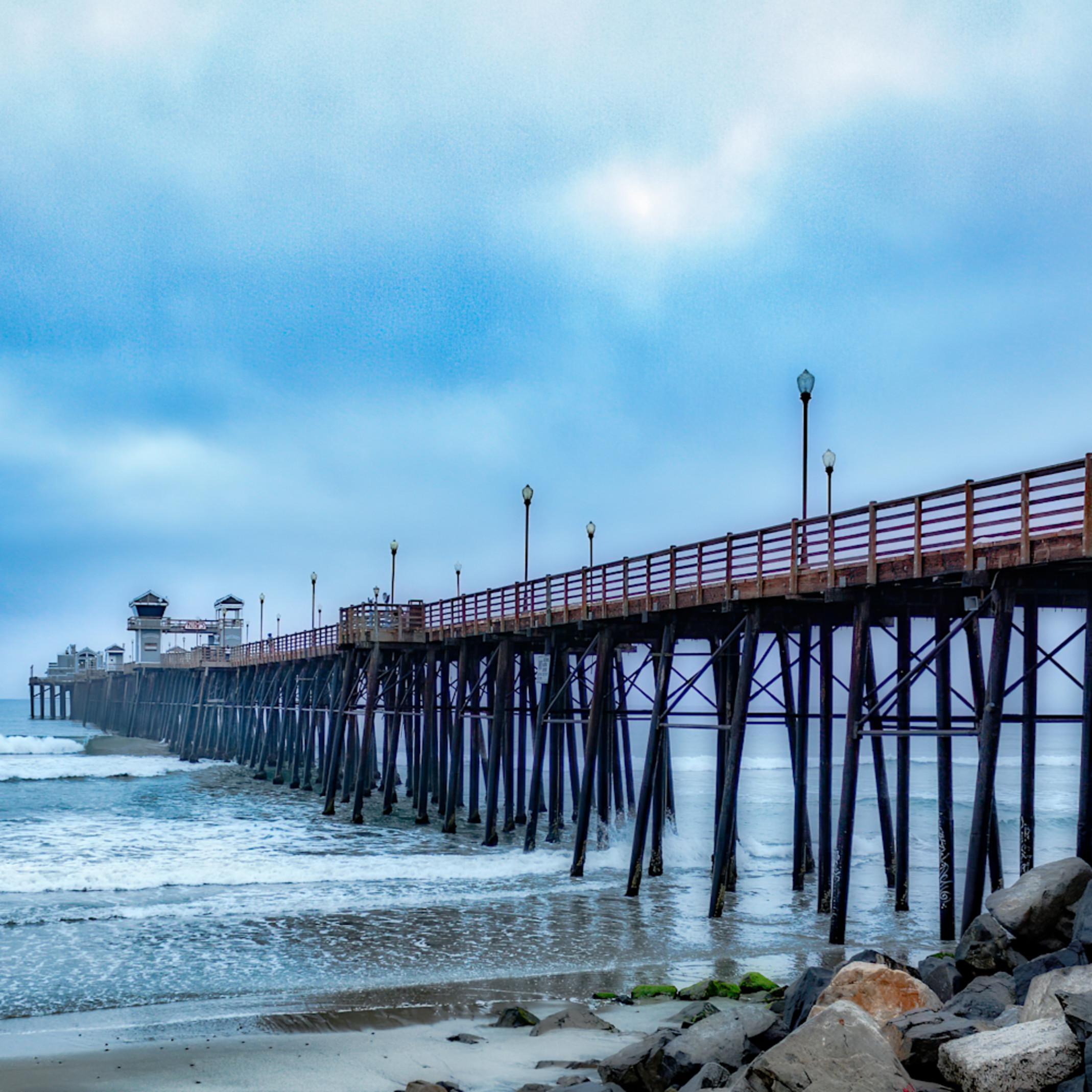 Oceanside pier at dawn nfmvld