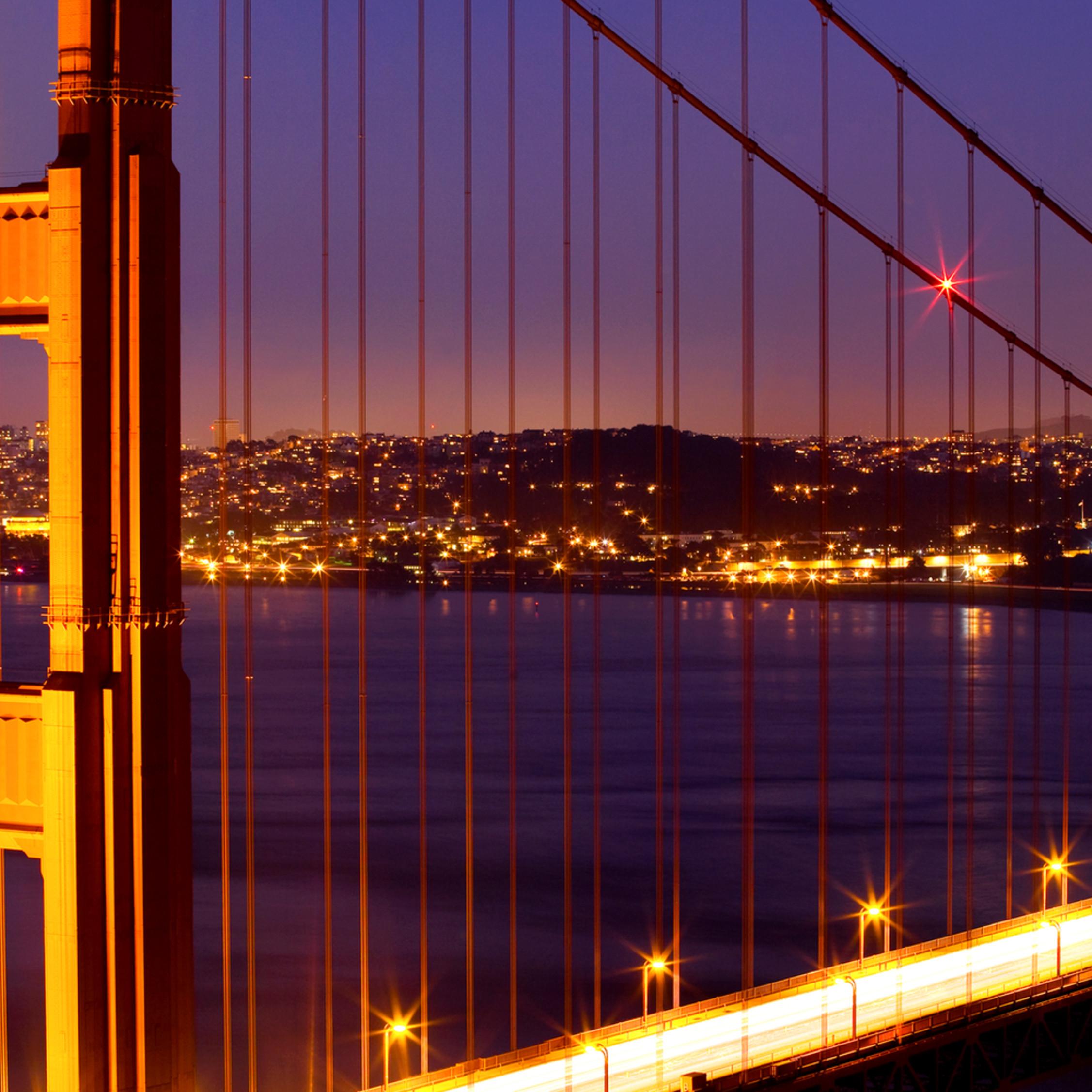 Gg bridge night dzamzq