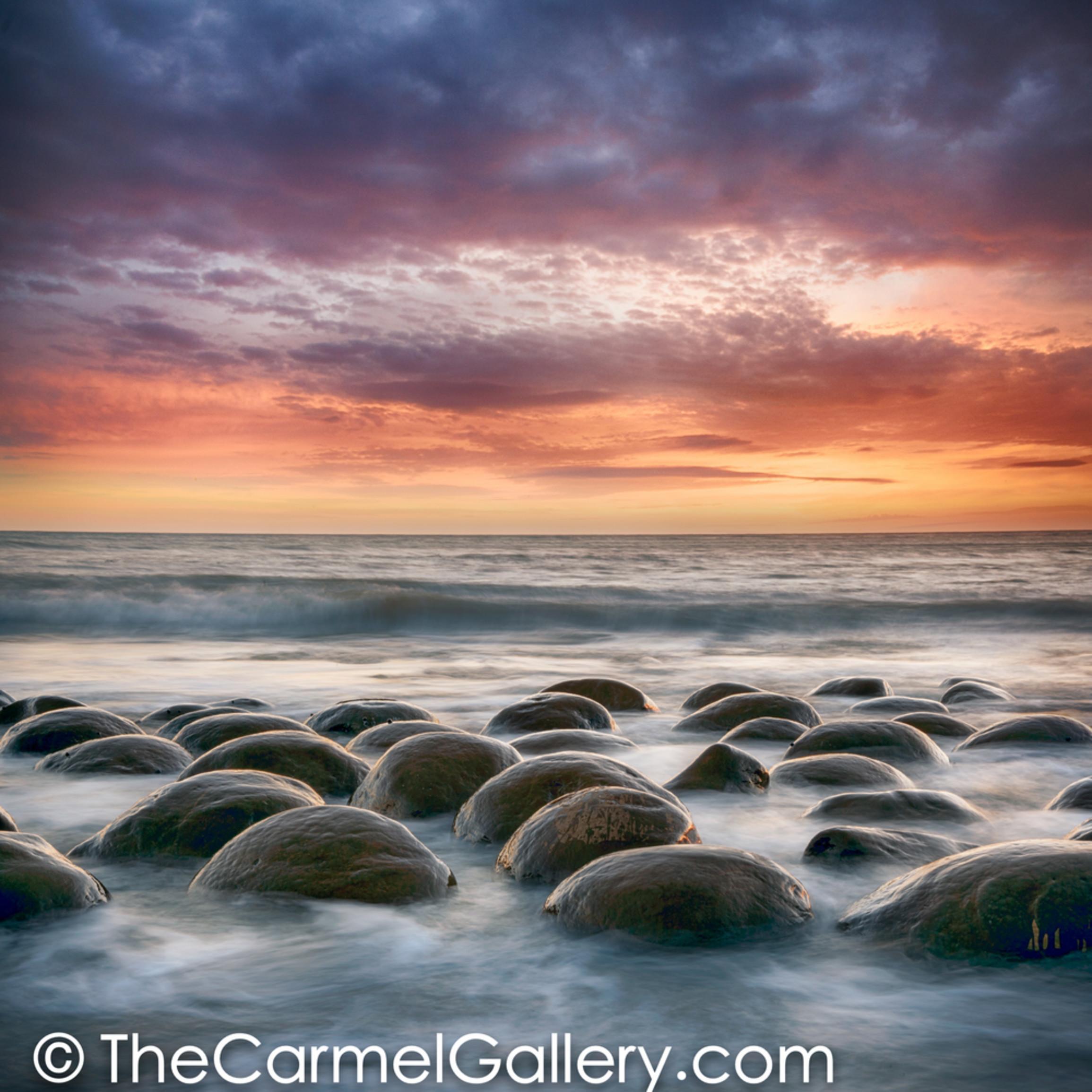 Bowling ball beach sunset a8v0ds