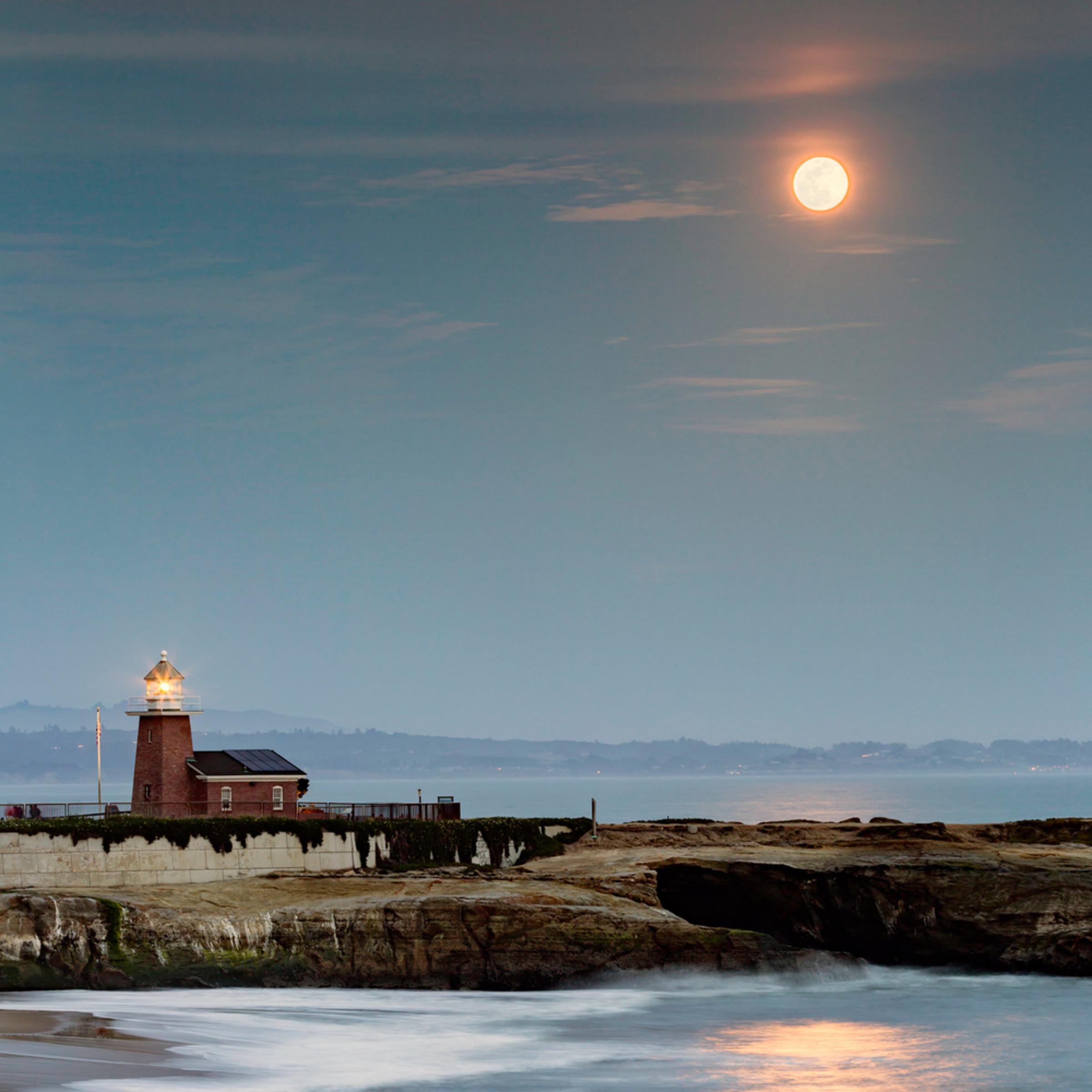 Moonrise 1 aepkma