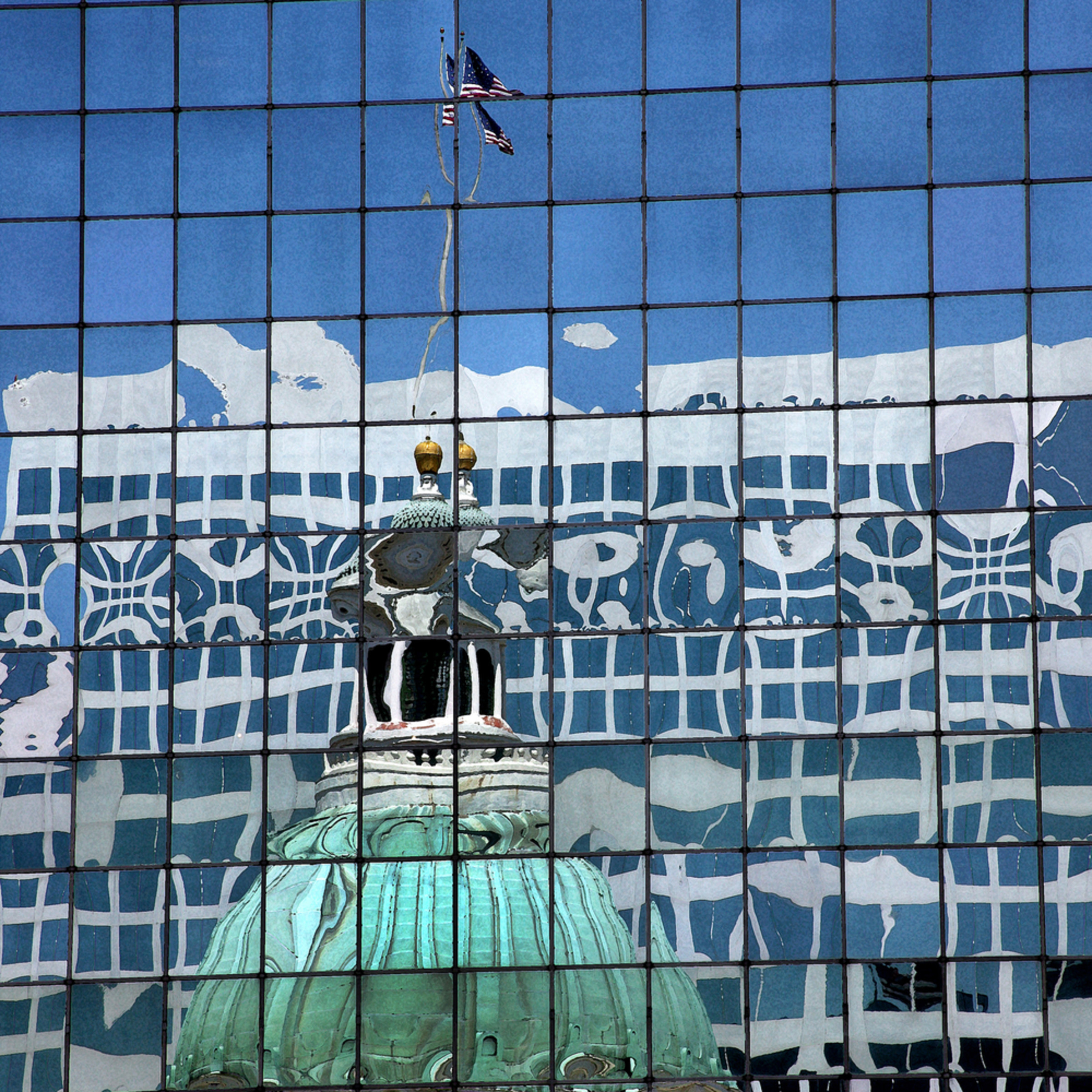 Bobmoore oldcourthouse reflection 7079 jnoyiw