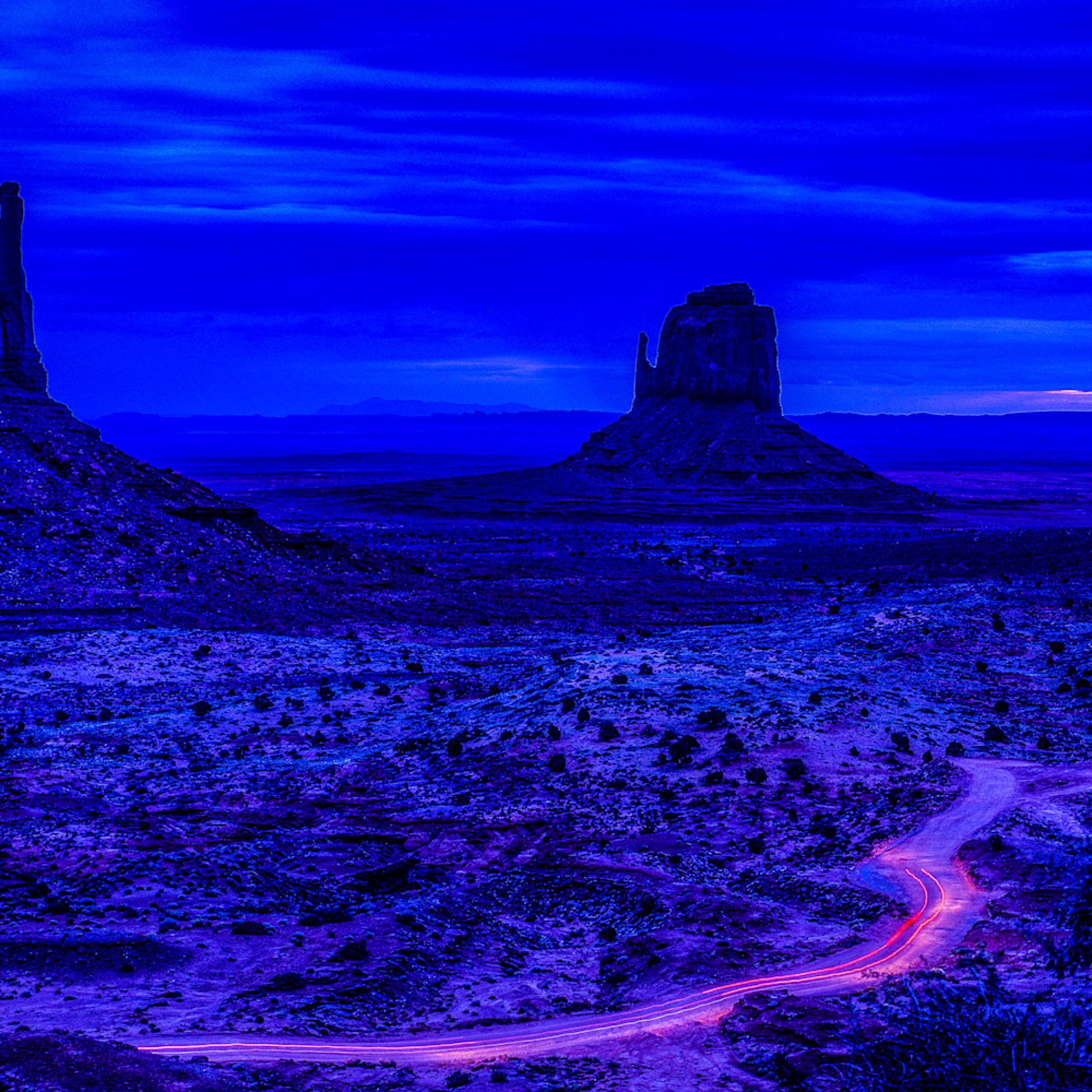 Monument valley dusk az kwwm5r