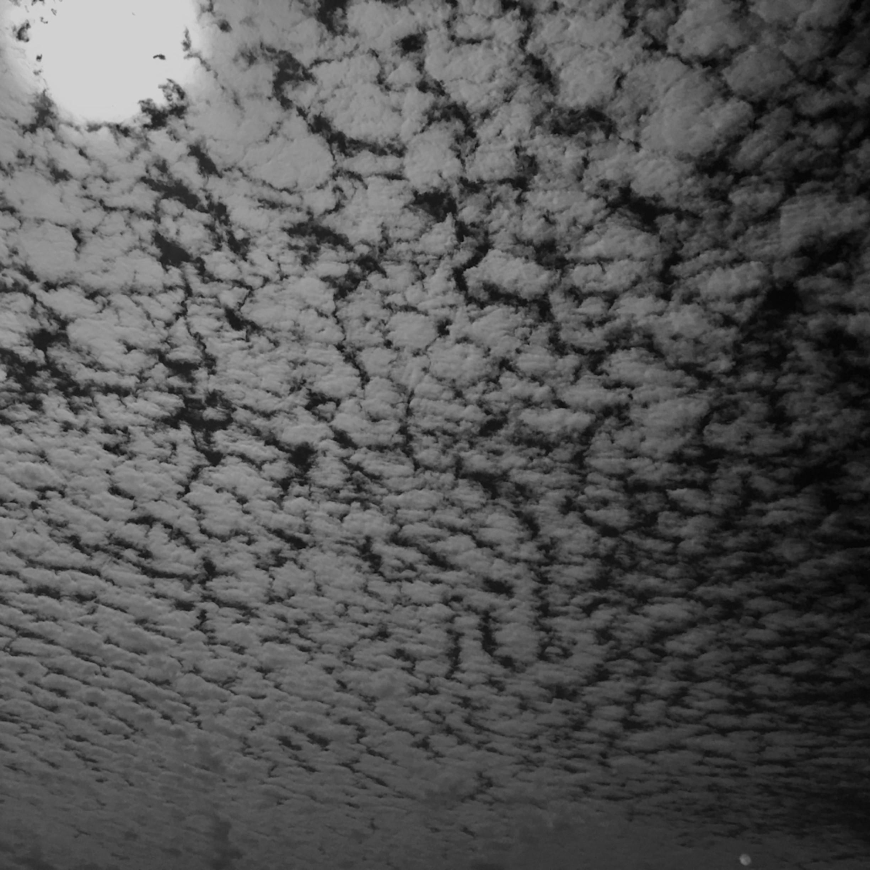 Moon clouds xgslvj