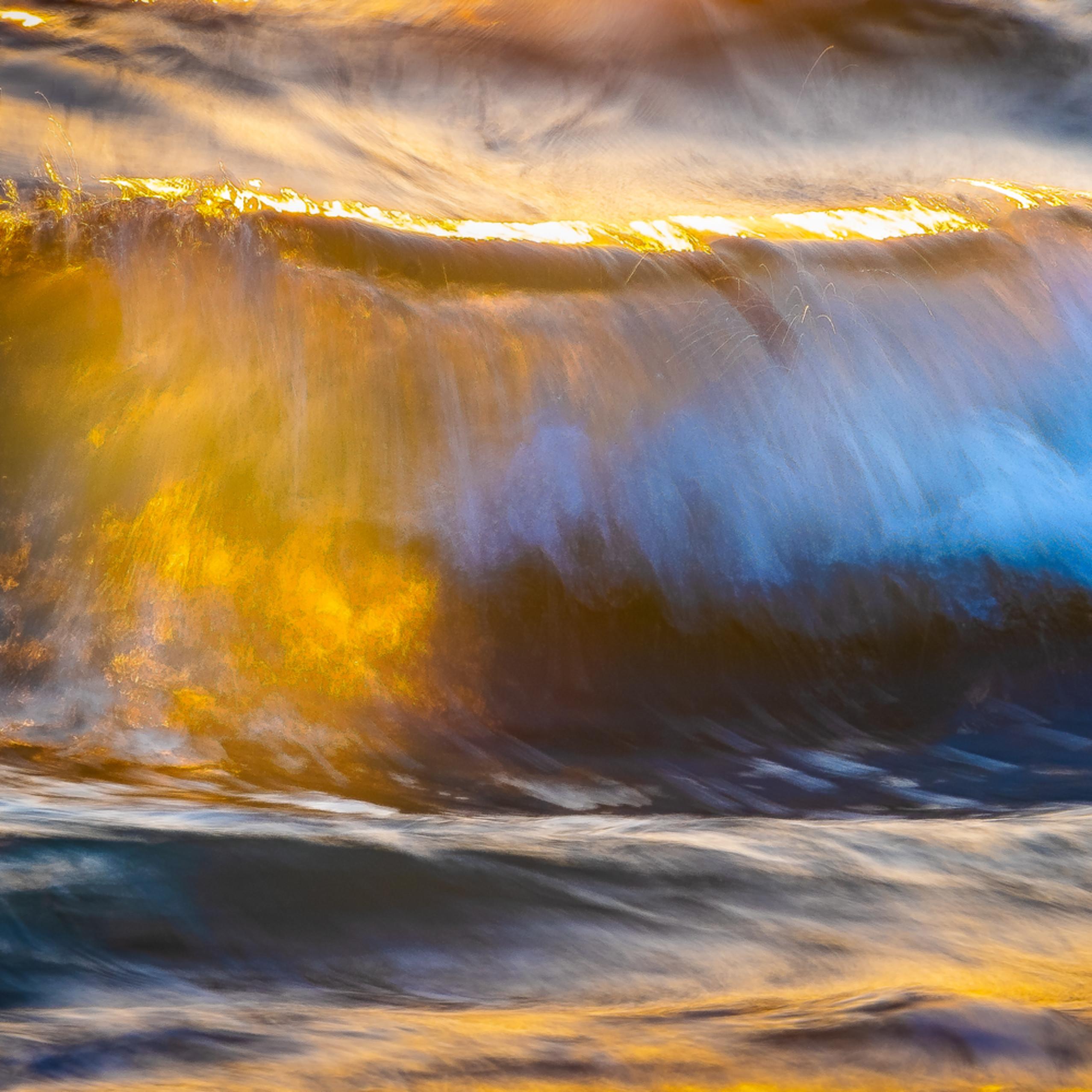 Golden wave zqqnua