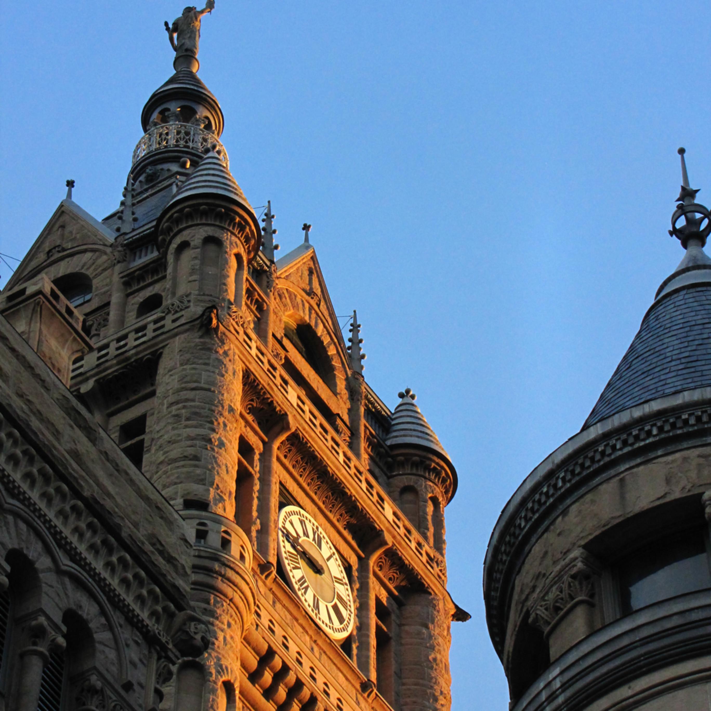 City hall at sunset x6ugyc